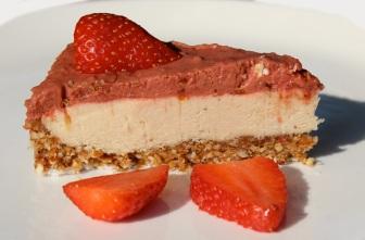 strawberry cheese cake - whited
